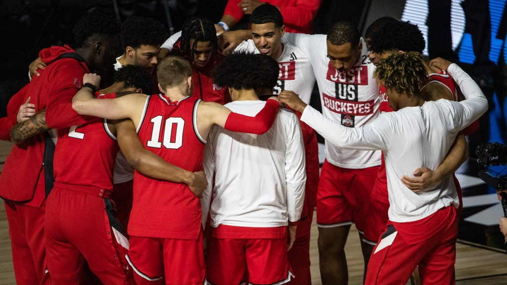 Ohio State basketball huddles